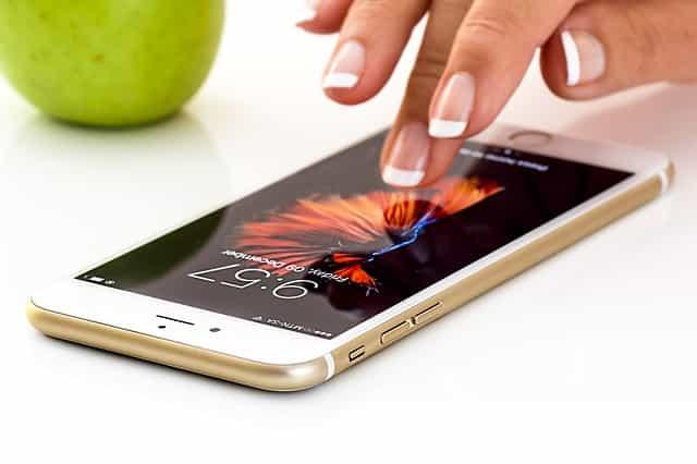 iPhoneにおすすめのモバイルバッテリーはこれだ!PHILIPS【DLP2103】
