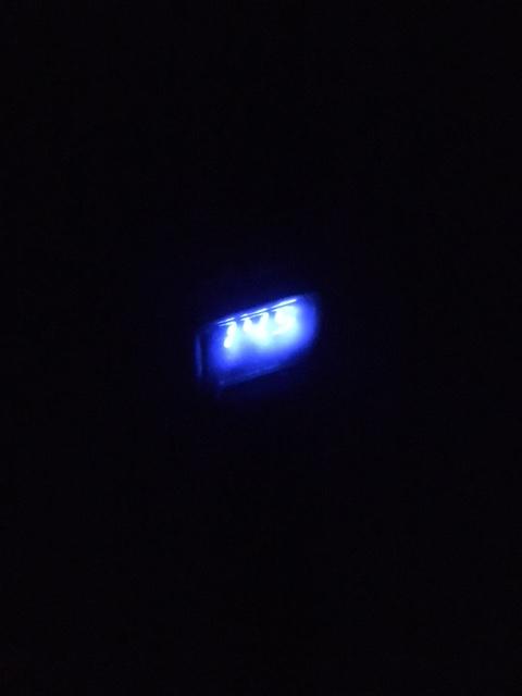 暗くても電圧・通電をチェック!